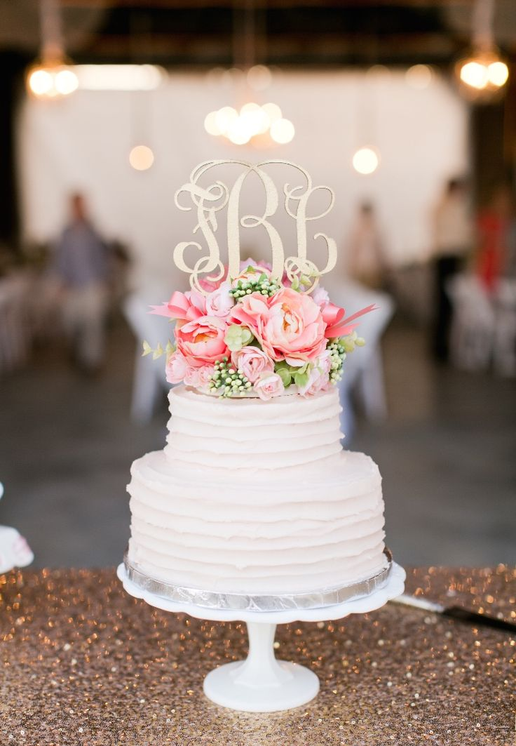wedding cake monogram toppers best 25 wedding cake toppers ideas on 23277