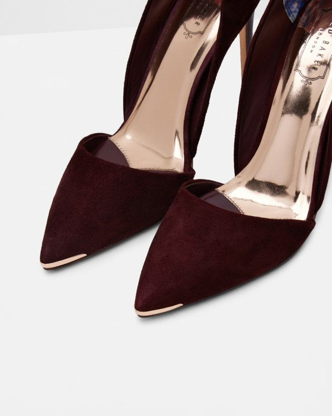 Take your shoe collection to new heights with the VLEYI heels. Perfect for teaming with skirts, dresses and trousers alike, this opulent pair is sure to effortlessly elevate any ensemble in style.