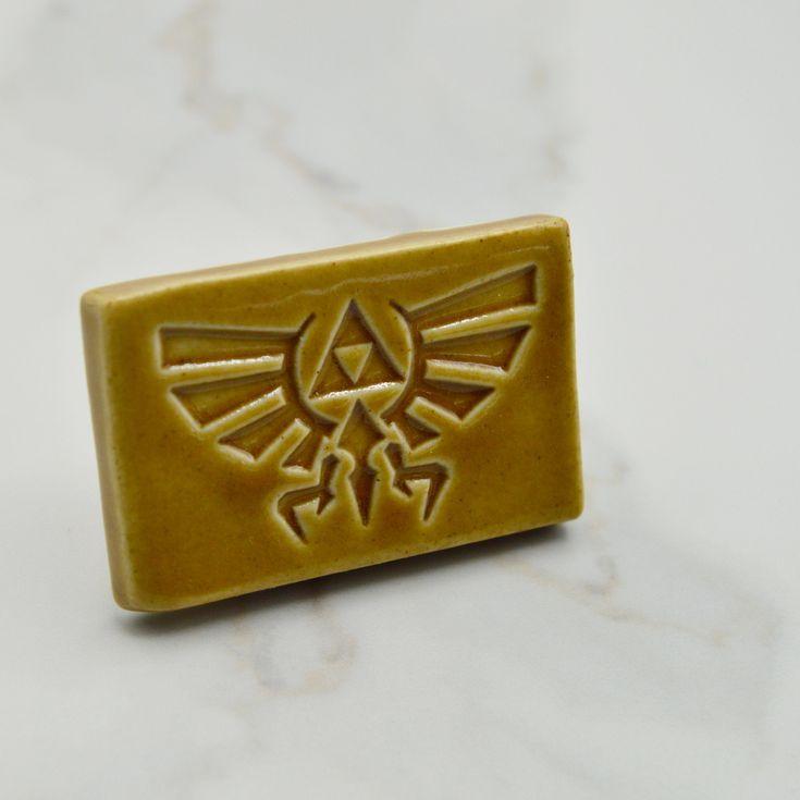 Triforce Royal Crest Magnet, Honey Brown Legend of Zelda Magnet, Gamer Room Decor, Retro Game Gift, Ready to Ship