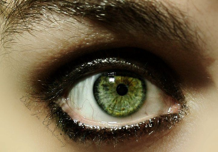 Billie Joe Armstrong's Eye by BreakingChattanooga.deviantart.com on @DeviantArt