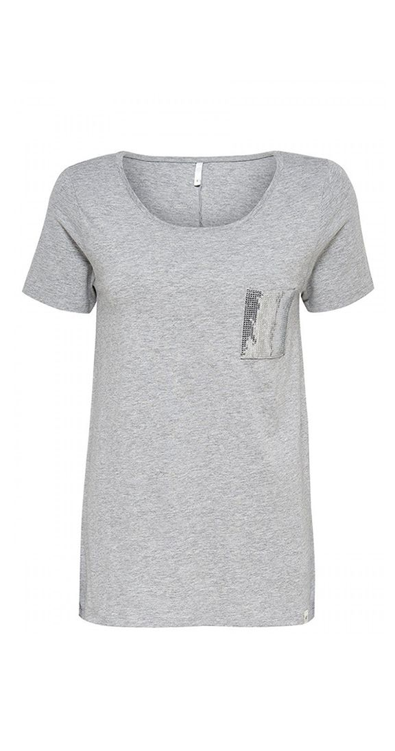 LAST CHANCE Party Pocket Tee - grey or white. The perfect tee when you want to be casual but still a little festive. Short sleeves and roomy fit, the cute sequin pocket makes this tee special.  Short sleeved top 1 chest pocket with sequins Round neck Length: 68 cm in size M Fabric 97% Polyester, 3% Elastane Brand ONLY