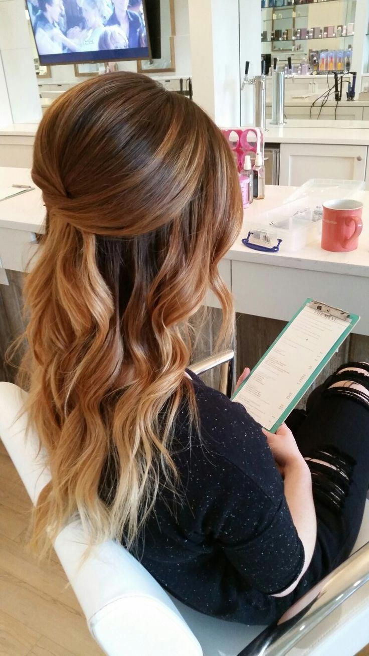 pretty half up hairstyle with waves #WomensHairstylesMediumBrunette #WomensHairstylesLongBalayage #Weddinghairstyles