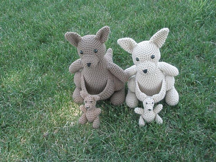 (4) Name: 'Crocheting : Mommy Kangaroo with a Baby Joey