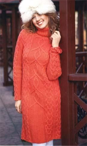 Вязаное платье с аранами