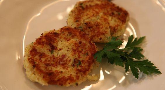 Картофельные биточки с сыром и зеленью