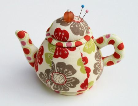 """free patterns for pin cushions   The pin cushion is about 4"""" tall and 5.5"""" wide. Did you know that it ..."""