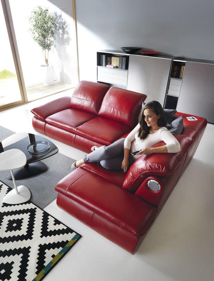 Czasem przyjemnie jest po prostu usiąść wygodnie i pobujać w obłokach. #GalaCollezione #inspiracje #inspiration #design #meble #sofa
