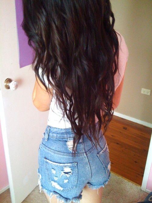 long hair, v cut, slightly wavy Hair Ideas, Hairstyles, Hair Colors, Long Hair, Hair Makeup, Beautiful Hair, Hair Style, Girls Things, High Waist Shorts