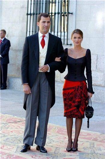 Felipe e Letizia no casamento de Beltrán Gómez Acebo, filho da Infanta Pilar, e Laura Ponte.