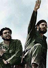 Che Guevara e Fidel Castro, fotografados por Alberto Korda em 1961