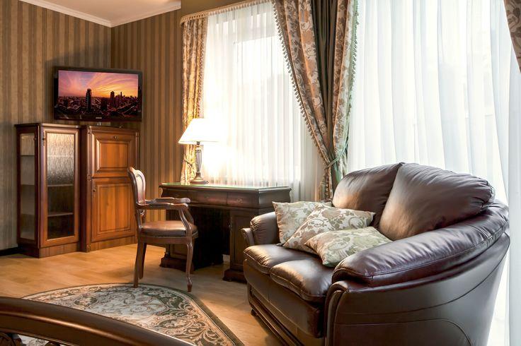Отели Кременчуга. Гостиница Helicopter. Номер люкс. Подробнее: http://www.hotel-helicopter.com/rooms/suite