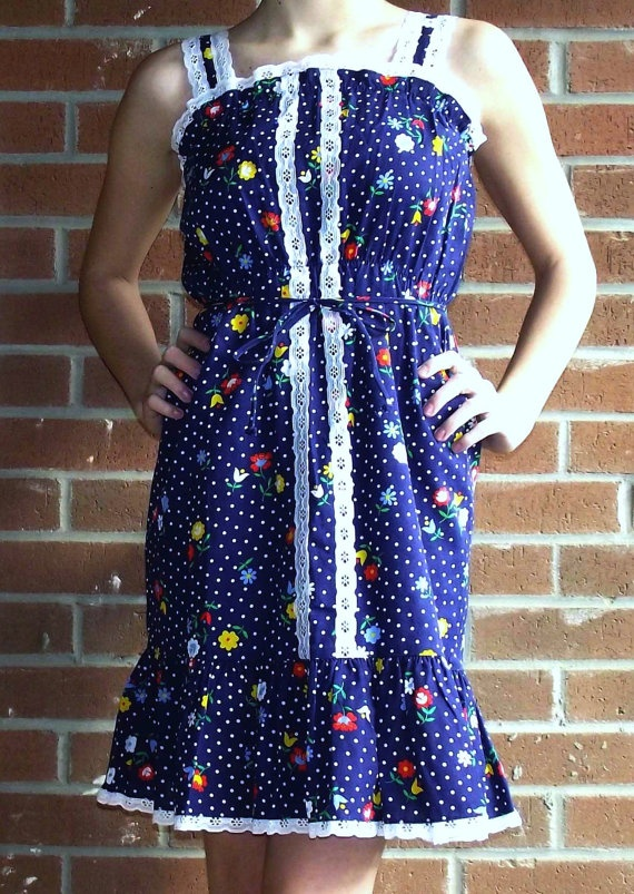 Petite Flower with Polkadots by MaryLuVintage on Etsy, $29.00