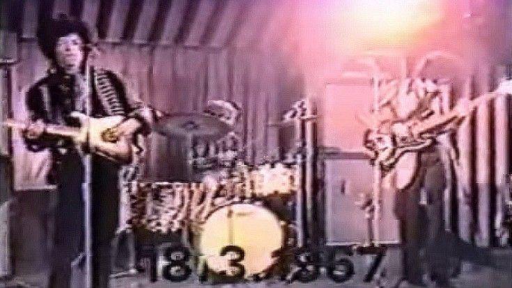 "Tagged: Jimi Hendrix   Jimi Hendrix, ""Hey Joe"" Rare Live Footage From 1967http://societyofrock.com/jimi-hendrix-hey-joe-rare-live-footage-from-1967"