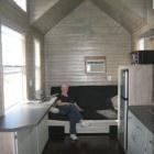 casa-diminuta-madera-Dan_Louche-4