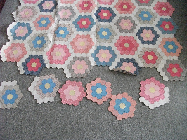 17 Best images about Grandmothers flower garden quilts on Pinterest Gardens, Quilt and ...