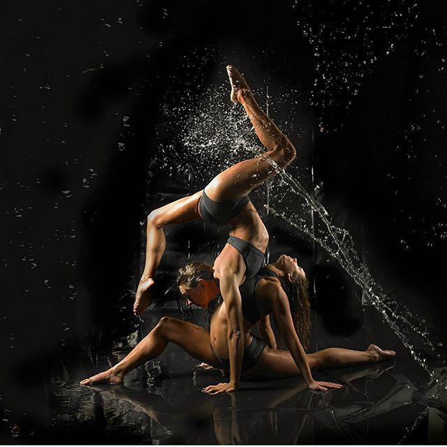 Happy wet Wednesday 🌧... looking forward to rehearsing  back with @jadetwinkler today for our weekend performance.  @dragonflybrand @simonphoto  #performers #photography #watershoot #photoshoot #acrobalance #duo #poleduo #contortion #fitness #fitgirls #fitnessinspiration #flexibility #balance #control #fitspo #ukcontortionists #acro #gymnasticbodies #gymnasticsshoutouts