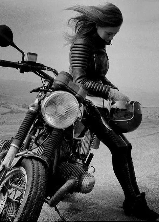 Foto   – Girls and bikes – #Bikes #Foto #Girls – Motorrad – #Bikes #Foto #girls