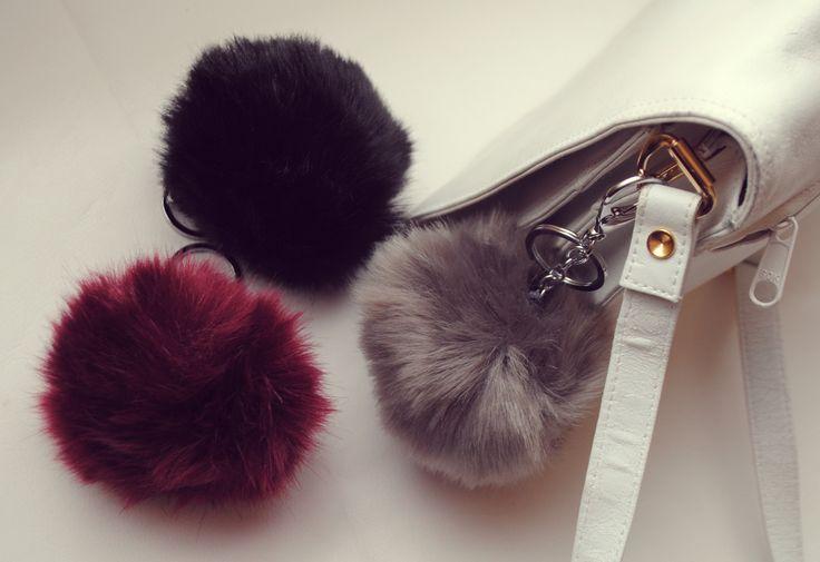 brelocuri #trendalert #whitebag #trinket #keyring #bag #spring #look