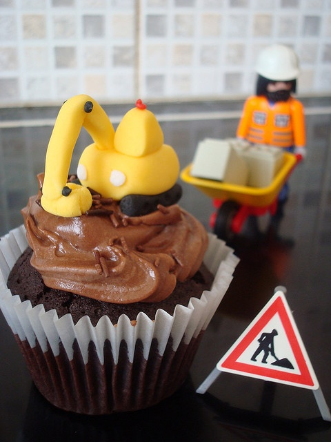 Excavator Cupcake ~ cute for a construction theme party
