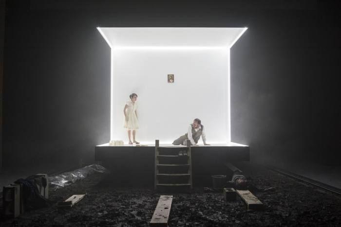 Divine parole. Piccolo Teatro di Milano. Scenic design by Paolo Fantin. Lighting by Alessandro Carletti.