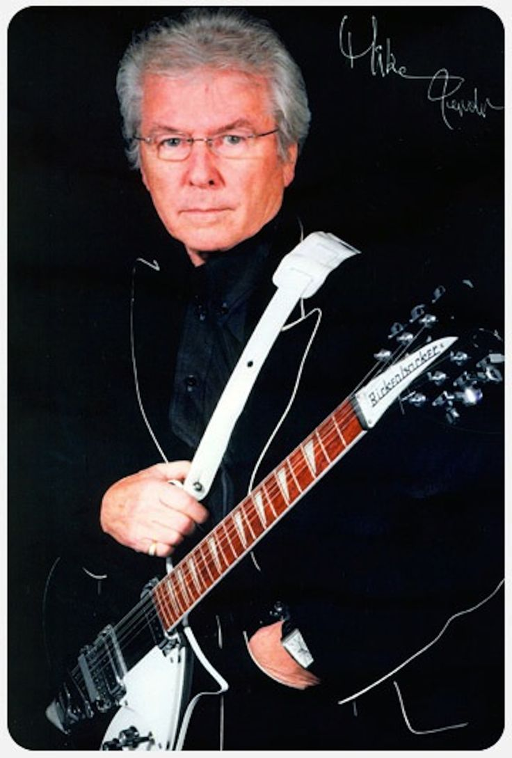 Mike Pender of The Searchers  Sept. 17-20, 3 & 8pm  Known for his affiliation with the 1960s Rock group, The Searchers, Mike Pender's musical success follows him to The Big E. The Searchers scored 3 #1 hits and were voted second in 1964 behind the Beatles.