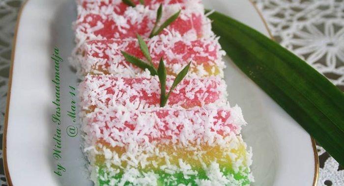 Lapis Singkong Apakah Anda Pecinta Kue Lapis Jika Iya Maka Anda Wajib Mencoba Kue Lapis Singkong Kreasi Kue Lapis Singkong Kali Ini B Kue Lapis Resep Kue Kue