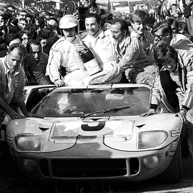 1968 Lemans 24 Pedro Rodriguez Mexican F1 And Endurance Racing Superstar Celebrating After Winning The Legendary 24 Hours Autos Deportes Carro Deportivos