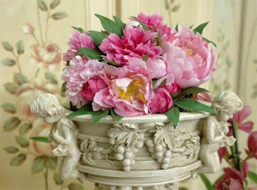 Niespotykana, stylowa waza na kwiaty / Vase For Flowers with romantic Figures Amorów