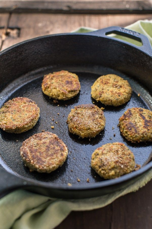 falafel recipe how to make the perfect simple baked falafel or pan fried falafel #vegan #glutenfree :ricetta falafel sani e veloci. senza uova senza burro vegani senza glutine