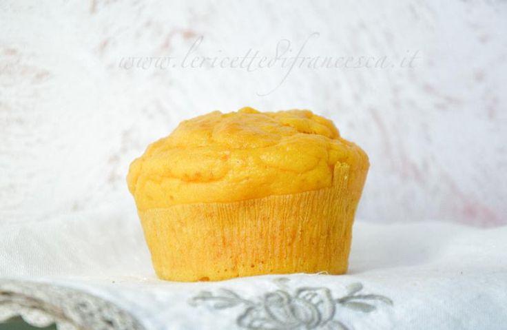 I muffin alla zucca salati sono fatti con il bimby tm31. Si possono arricchire anche con peperoncino macinato e paprika affumicata.