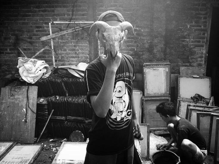 Printmaker Screenprinter #pspsablon #basukiadx #parashurama #parashuramasablon #sablonparashurama #klaten #indonesia #sablon #cetaksaring #tukangsablon