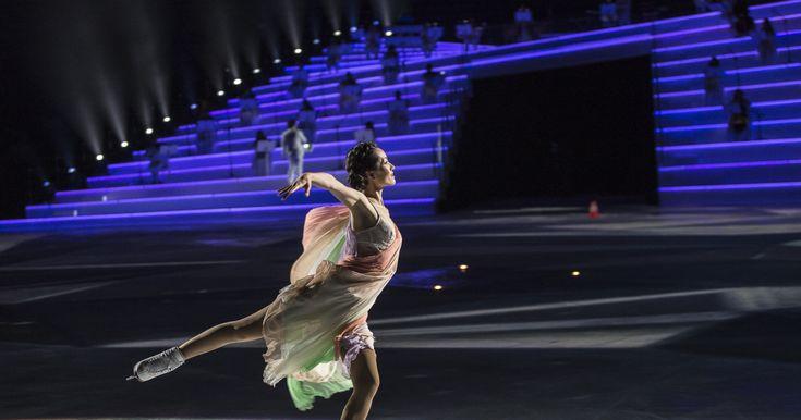 Minulý víkend se v italské Veroně odehrála velkolepá show Intimissimi on Ice: A Legend of Beauty. Ve veronské Aréně se představili ti největší mistři světového krasobruslení v čele s legendou Jevgenijem Pluščenkem, speciálním hostem byl tenorista Andrea Bocelli. Kostýmy k tomuto představení navrhovala módní blogerka Chiara Ferragni, proto samozřejmě u uvedení show nemohla chybět. Do Verony přijely i další celebrity, například hollywoodská hvězda Katie Holmes nebo ruská topmodelka Irina…