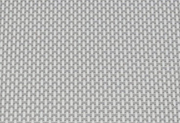 Dreibeinliege handlich zusammenklappbar mit Tragegurten.  Bezug aus strapazierfähigem und luftdurchlässigem Hightech-Gewebe in erstklassiger Qualität, wetterfest und UV beständig. Obwohl das Gewebe sehr formstabil ist, d. h. nach jeder Belastung automatisch in seine Ursprungsform zurück geht, bietet es einen äußerst angenehmen Sitz- und Liegekomfort. Es passt sich perfekt der jeweiligen Körperf...