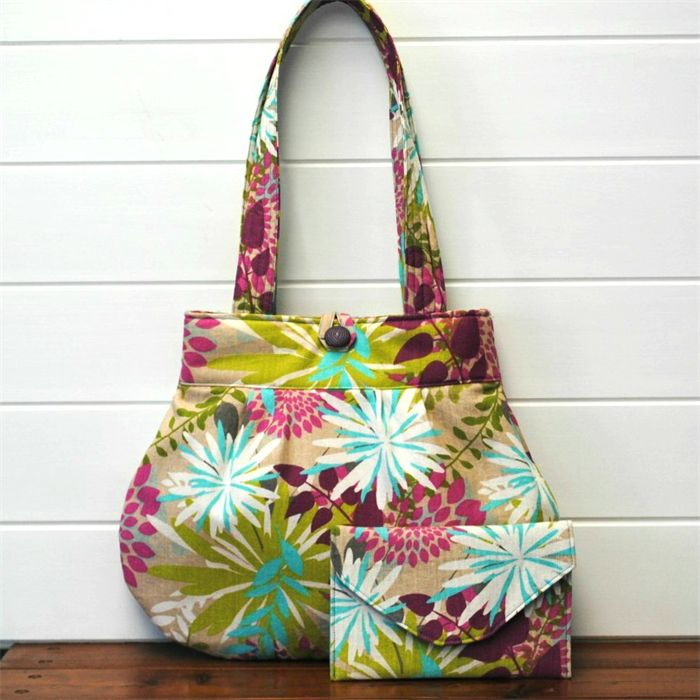 """""""Summer flowers"""" - ladies bag with matching pouch"""