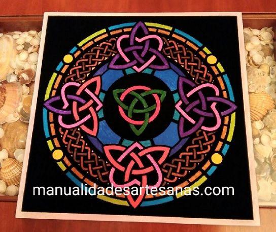 #Mándala #símbolo #celta #triqueta pintado con #rotuladores  #HOWTO #DIY #artesanía #manualidades #reciclaje