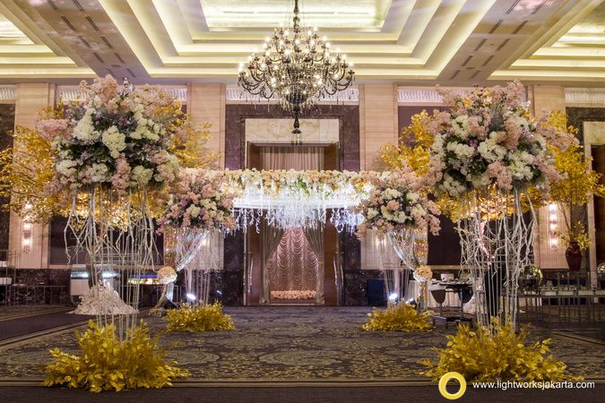 Fairy tale from Steve Decoration and Lightworks for Geraldy and Anabel's wedding reception at Kempinski Hotel, Jakarta. www.lightworksjakarta.com