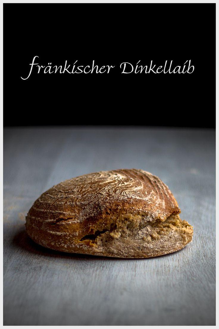 … Dinkelbrot mit Dinkelschrot und Mehlkochstück … Jedes Mal, wenn ich mir Gedanken mache was ich Backen möchte, berücksichtige ich entweder worauf ich Lust habe, oder welche Mehle schon eine Weile im Lager liegen. Letzteres hat mich veranlasst den Dinkellaib zu schneidern, da ich meine Dinkelkörner verarbeiten wollte. … Die Idee war ein Brot mit …