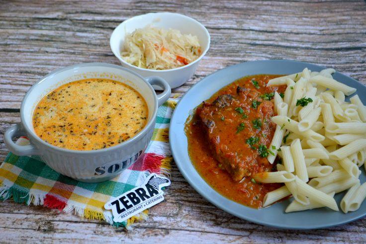 Meniul zilei la catering Ciorbă de pui cu tarhon 400 ml Şniţel de vita in sos de ceapa cu paste 100/20/200 g Salată de murături asortate