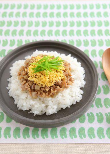 鶏そぼろの親子ちらし寿司 のレシピ・作り方 │ABCクッキングスタジオのレシピ | 料理教室・スクールならABCクッキングスタジオ