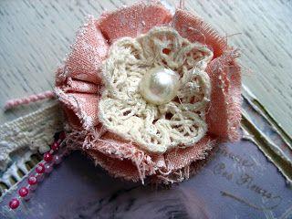 ...     Het Valkennest: Bloemen maken van stof en kaart voor Eefie