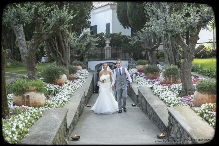 Wedding in Ravello by the local wedding planner Mario Capuano and the professional photographer Enrico Capuano at Villa Eva