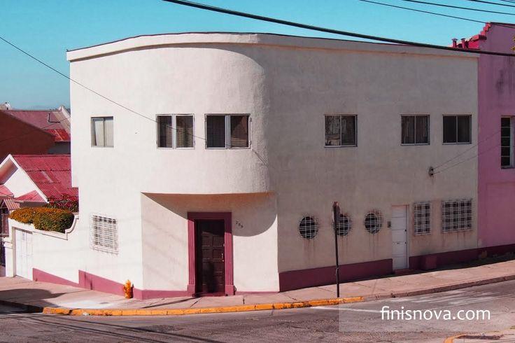 Casa en Recreo que posee la arquitectura Art Deco. www.finisnova.com