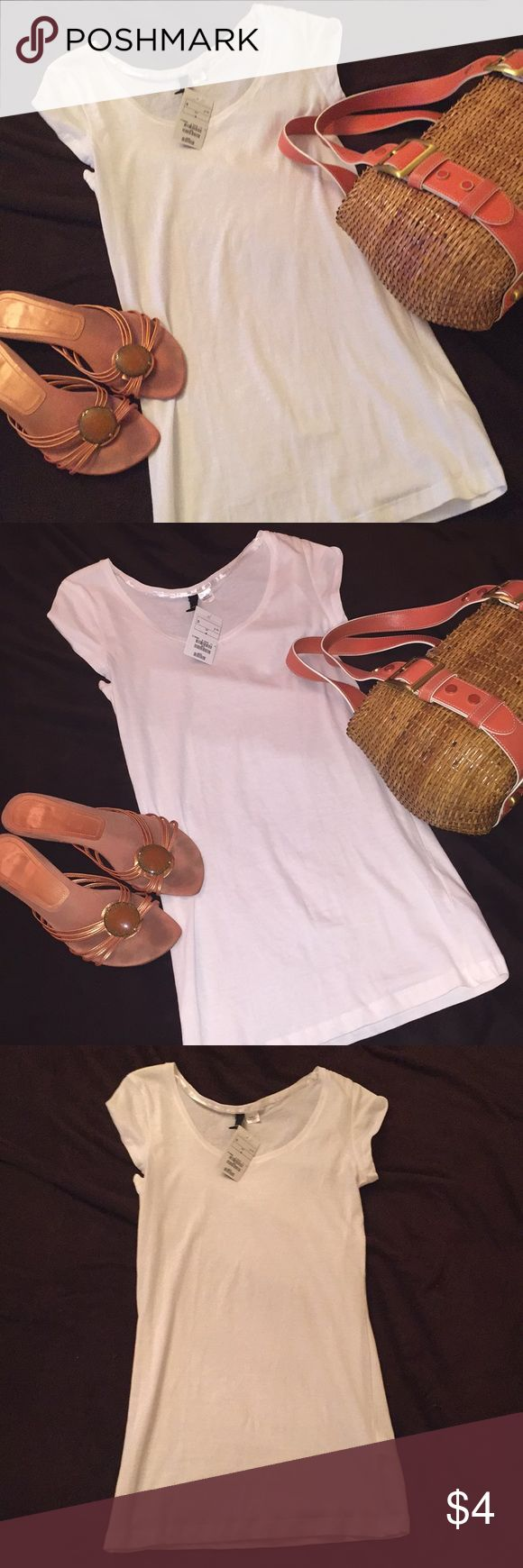 🆕 NWT White T-Shirt from H&M 👚 Brand new white t-shirt from H&M. Great for layering. 🌻 H&M Tops Tees - Short Sleeve