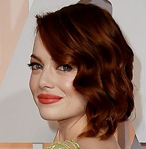 Oscars 2015 Best Looks - Emma Stone - Chignon - Mara Rosak http://hairello.com/blog/best-looks-from-the-oscars-2015/