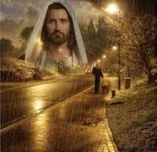 """como paloma el espíritu de Dios que venía sobre él. ¡Mire! También hubo una voz desde los cielos que decía: 'Este es mi Hijo, el amado, a quien he aprobado'"""" (Mateo 3:16, 17). Cuando Juan vio y escuchó aquello, no tuvo ninguna duda de que Jesús era el enviado de Dios (Juan 1:32-34). Aquel día, cuando el espíritu santo —es decir, la fuerza activa de Dios— se derramó sobre él, Jesús llegó a ser el Mesías, o Cristo, la persona elegida para ser Caudillo y Rey (Isaías 55:4).  9 Las profecías…"""
