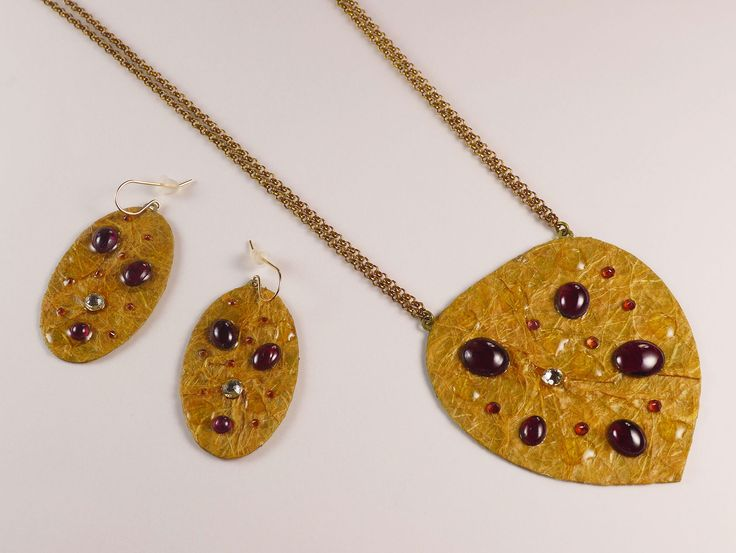"""Garnet"" Jewelry Set"