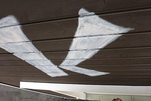 Sign painting straight on the wall, huge!  Kyltin tekstaus suoraan seinään, valtavaa