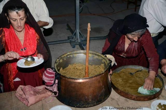 Μαγειρεύοντας την κουσμερή.