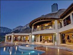 Bezweni Lodge Somerset West, South Africa  High up the Hottentots Holland mountain range, amongst hectares of indigenous fynbos, and on a most spectacular spot overlooking the breathtaking Cape Peninsula, sits Bezweni Lodge.