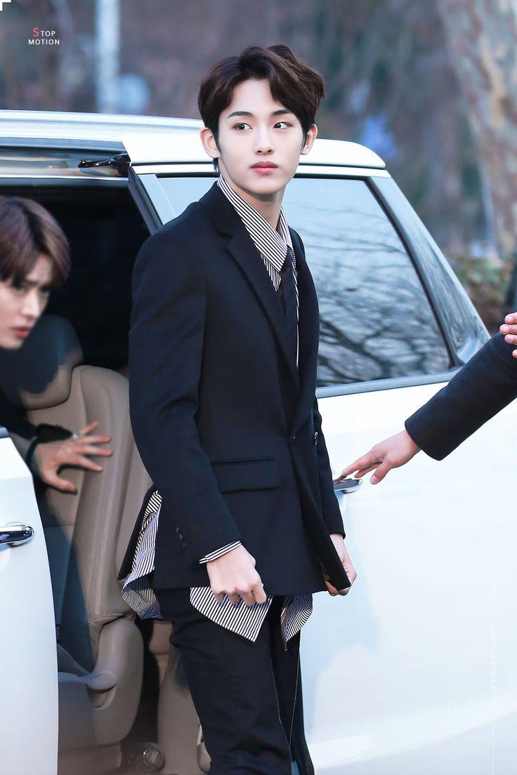 [17.01.19] @ Seoul Music Awards Red Carpet - NCT 127 : Win Win / 윈윈
